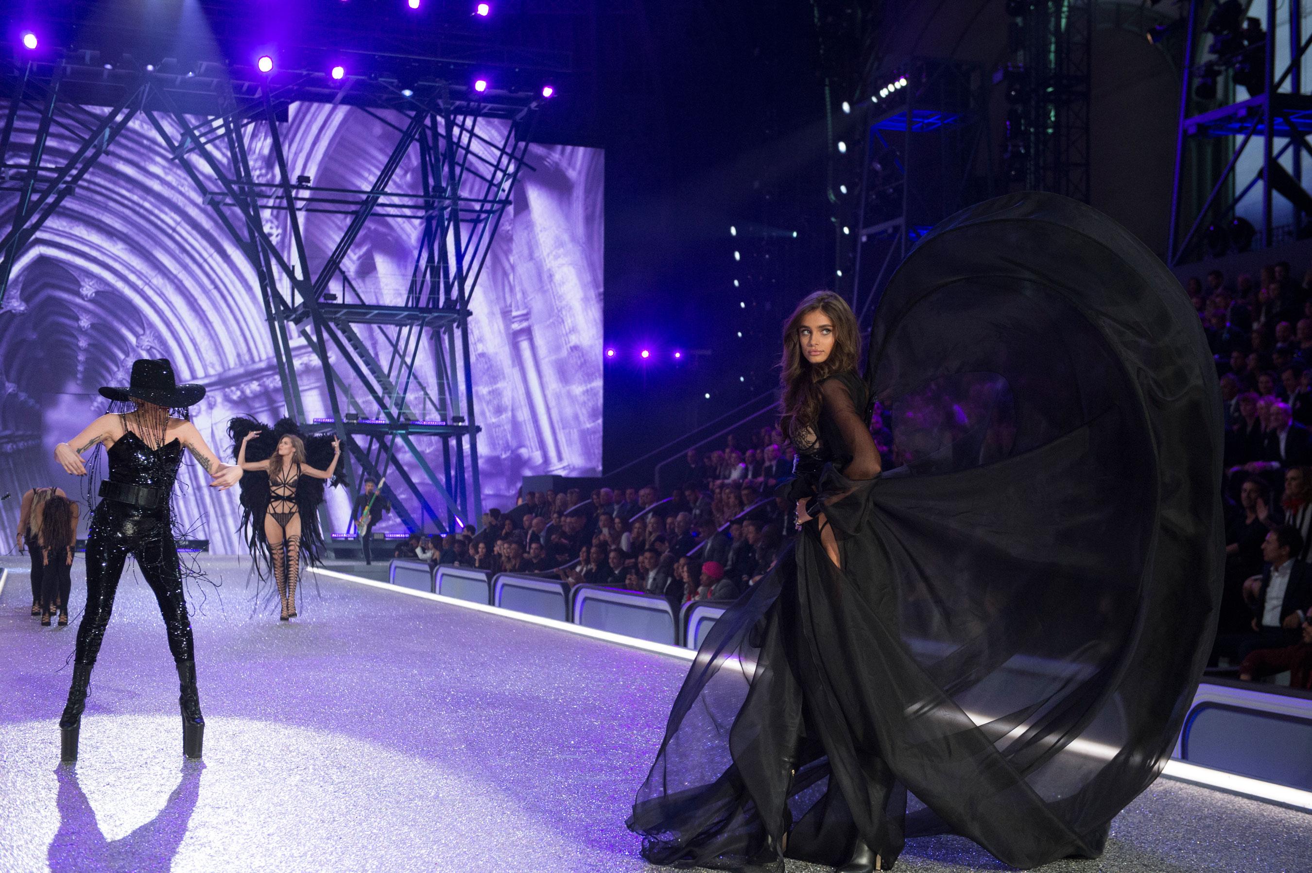 Victorias Secret atm RS17 6602
