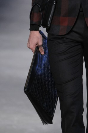 Miguel-Vieira-fall-2017-fashion-show-details-the-impression-39