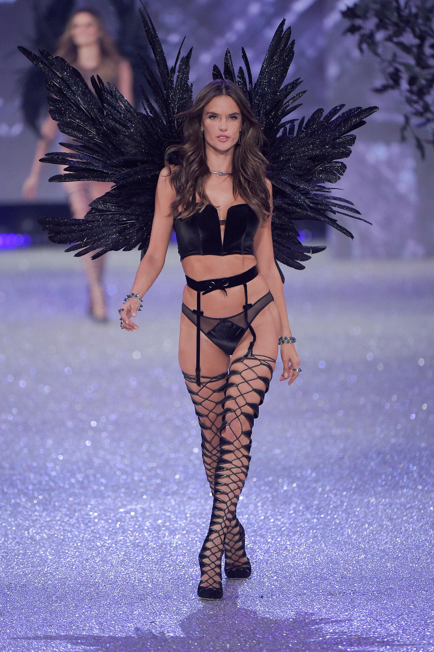 Victorias-Secret-bks-RS17-6806