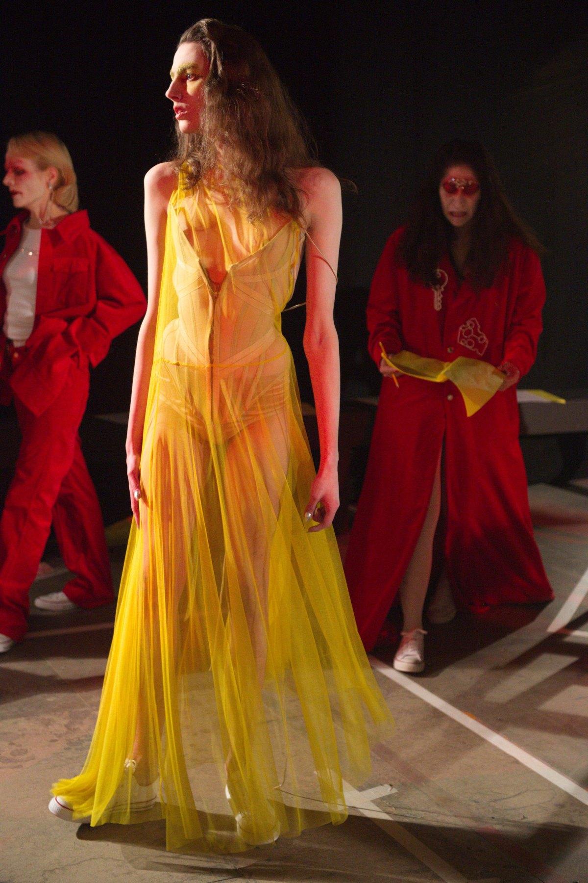 Fashion East m RF17 0387