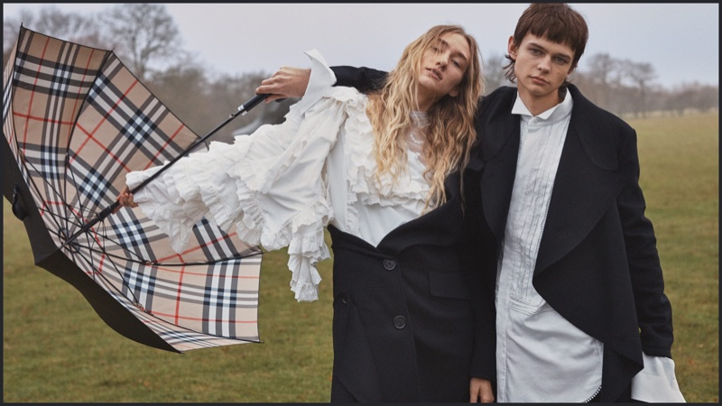 Burberry-spring-2017-ad-campaign-the-impression-02