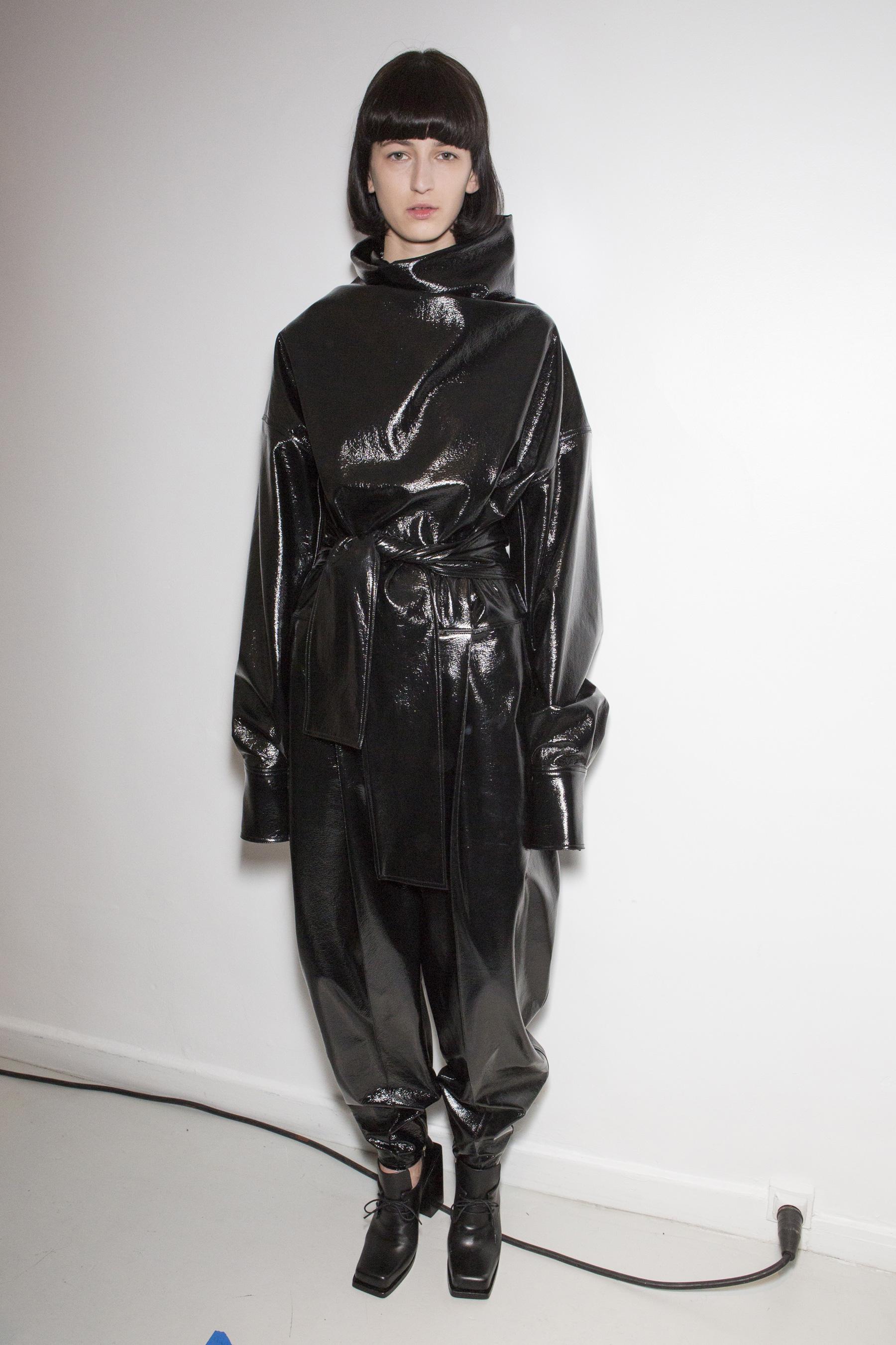 Wanda Nylon bks Z RF17 5154