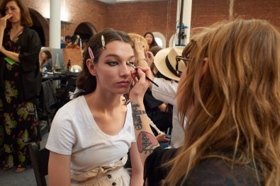Valentino-resort-2018-beauty-fashion-show-the-impression-13
