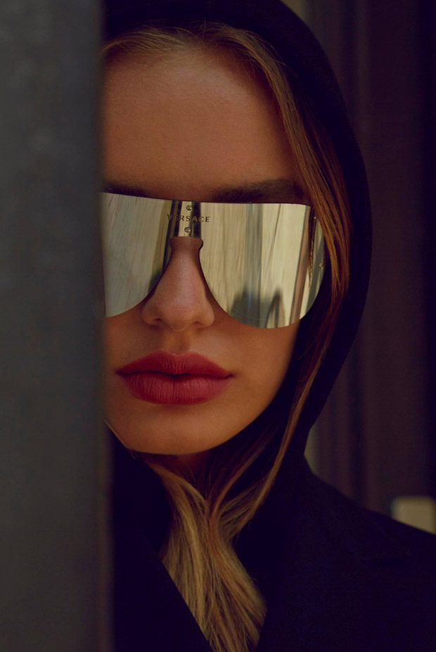 Versace-Eyewear-summer-ad-campaign-the-impression-03