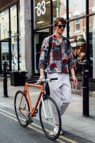 London m str RS18 1414