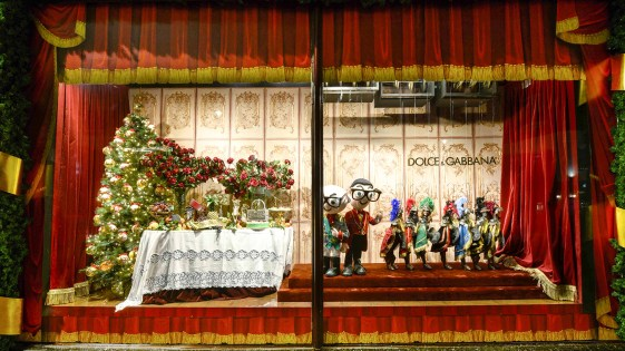 Harrods-dolce-gabbana-holiday-2017-takeover-the-impression-12