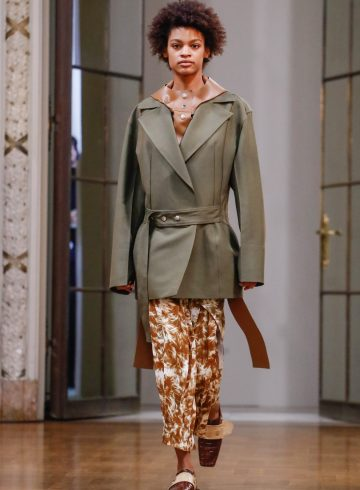 Victoria Beckham Fall 2018 Fashion Show