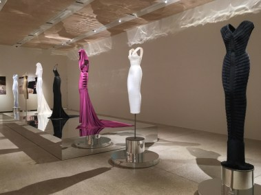 azzedine-alaia-design-museum-exhibition-the-impression-009