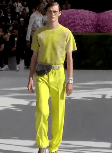 Dior Homme Spring 2019 Men's Fashion Show Film. All the Spring 2019 Men's fashion shows from Paris Fashion Week in one place on The Impression.