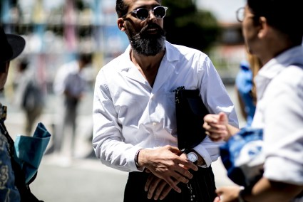 pitti-uomo-mens-street-style-sping-2019-fashion-shown-the-impression-041