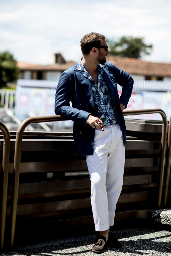 pitti-uomo-mens-street-style-sping-2019-fashion-shown-the-impression-044