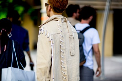 pitti-uomo-mens-street-style-sping-2019-fashion-shown-the-impression-089