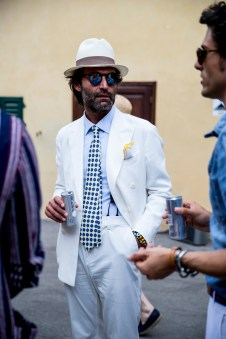 pitti-uomo-street-style-spring-2019-day-2-the-impression-073