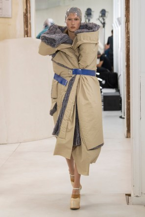 maison-margelia-fall-2018-couture-show-the-impression-025