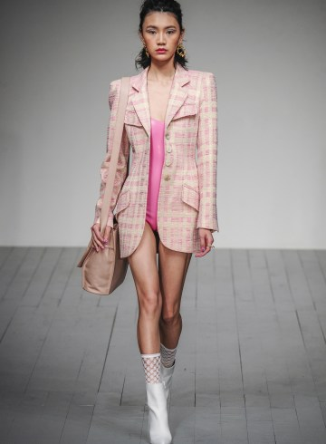 Paul Costelloe Spring 2019 Fashion Show