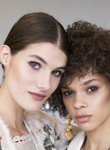 Oscar De La Renta Spring 2019 Fashion Show Backstage Beauty