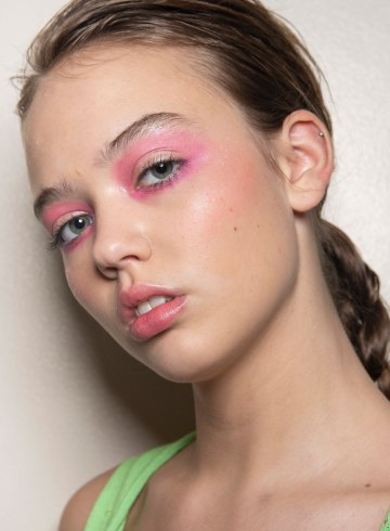 Lou Dallas Spring 2019 Fashion Show Backstage Beauty