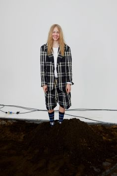 vivienne-westwood-fall-2018-ad-campaign-the-impression-013
