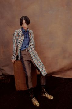 vivienne-westwood-fall-2018-ad-campaign-the-impression-021