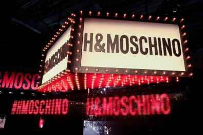 MOSCHINO [tv] H&M Holiday 2018 Fashion Show-atmosphere-the-impression-006