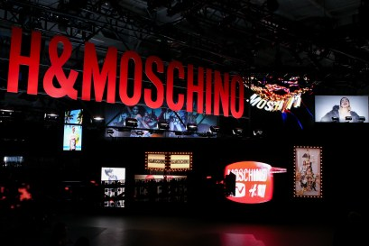 MOSCHINO [tv] H&M Holiday 2018 Fashion Show-atmosphere-the-impression-011