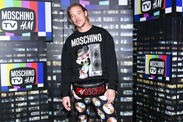 MOSCHINO [tv] H&M Holiday 2018 Fashion Show-atmosphere-the-impression-019