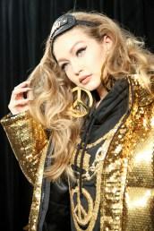 MOSCHINO [tv] H&M Holiday 2018 Fashion Show-backstage-the-impression-043