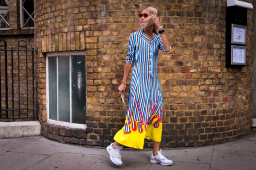lfw-streetstyle-by-poli-alexeeva-the-impression-018