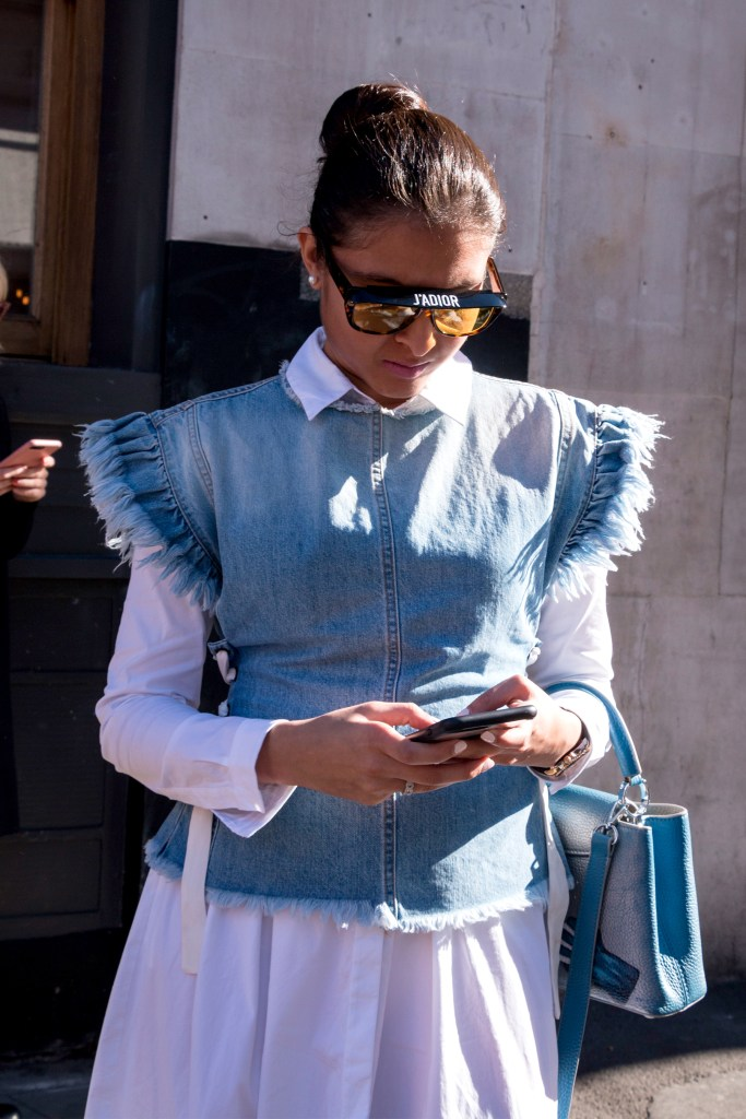 lfw-streetstyle-by-poli-alexeeva-the-impression-021