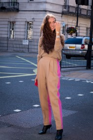 lfw-streetstyle-by-poli-alexeeva-the-impression-043