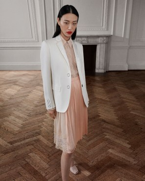 Burberry-pre-fall-2019-the-impression-39