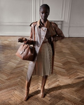 Burberry-pre-fall-2019-the-impression-41