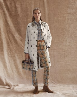 Burberry-pre-fall-2019-the-impression-59