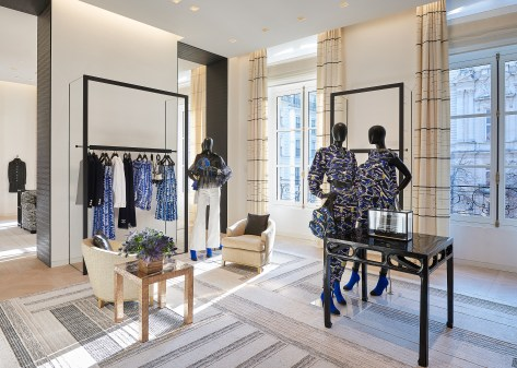Chanel-boutique-19-rue-Cambon-Flagship-the-impression-44