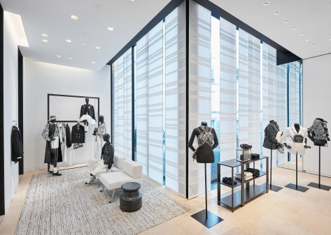 Chanel-boutique-19-rue-Cambon-Flagship-the-impression-46