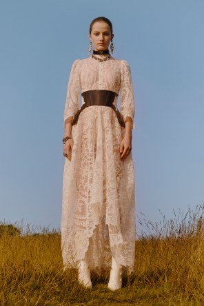 alexander-mcqueen-resort-2019-collection-the-impression-18