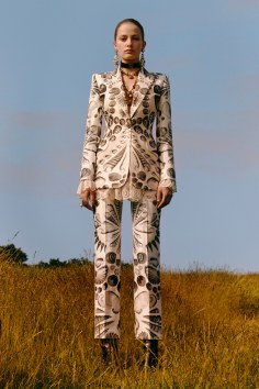 alexander-mcqueen-resort-2019-collection-the-impression-37