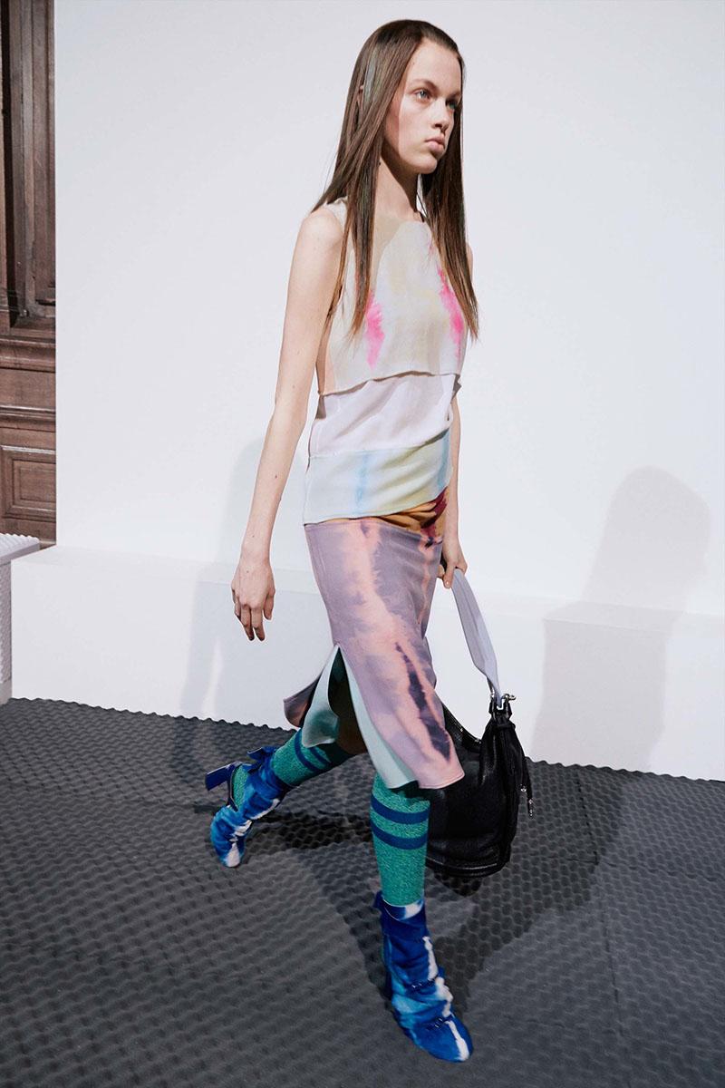Acne-Studios-resort-2017-fashion-show-the-impression-03