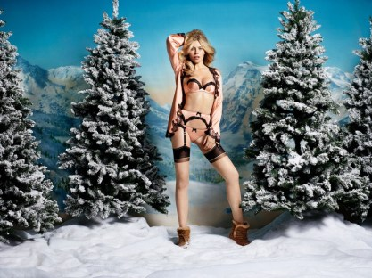 agent-provocatuer-holiday-2015-ad-campaign-the-impression-05