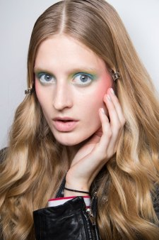 Alexis-Mabille-spring-2016-beauty-fashion-show-the-impression-45