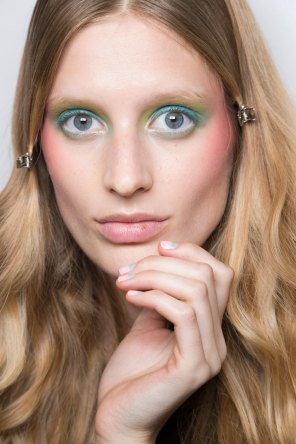 Alexis-Mabille-spring-2016-beauty-fashion-show-the-impression-47