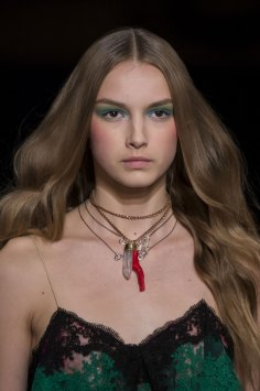 Alexis-Mabille-spring-2016-runway-beauty-fashion-show-the-impression-12