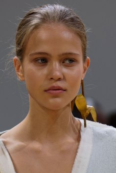 Allude-spring-2016-runway-beauty-fashion-show-the-impression-07