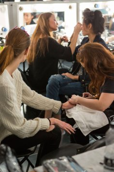 Amanda-wakeley-spring-2016-beauty-fashion-show-the-impression-05