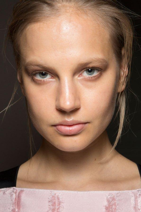 Amanda-wakeley-spring-2016-beauty-fashion-show-the-impression-14