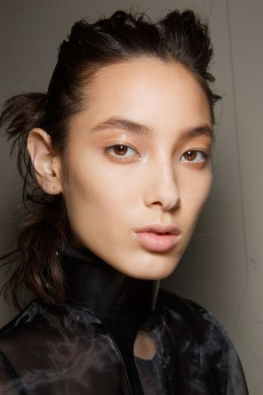 Ann-Demeulemeester-spring-2016-beauty-fashion-show-the-impression-17
