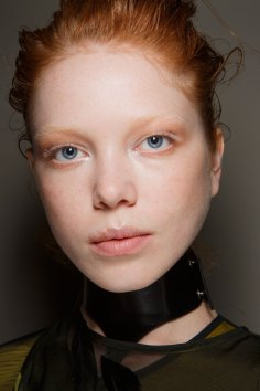 Ann-Demeulemeester-spring-2016-beauty-fashion-show-the-impression-24