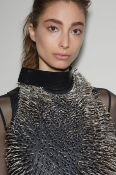 Ann-Demeulemeester-spring-2016-beauty-fashion-show-the-impression-41