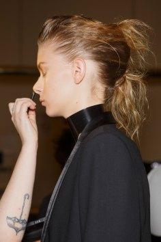 Ann-Demeulemeester-spring-2016-beauty-fashion-show-the-impression-43
