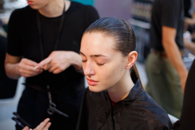 Anrealage-spring-2016-beauty-fashion-show-the-impression-03